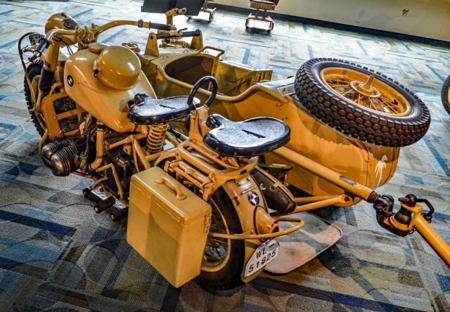 BMW R75 con sidecar, en el Military Aviation Museum